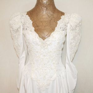 Vintage Open Beaded Applique Lace Wedding Gown